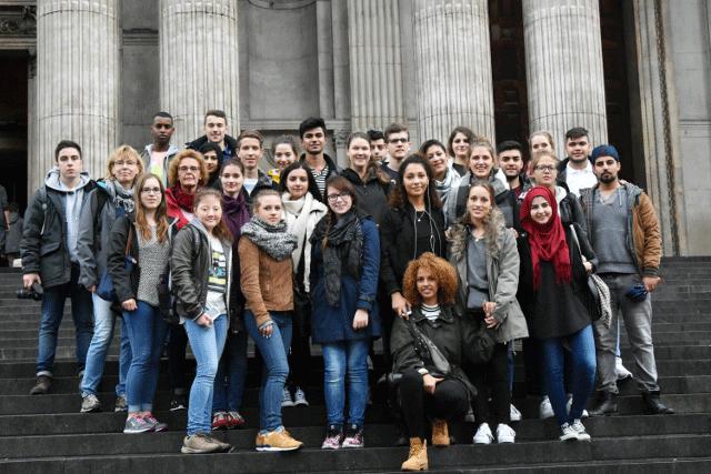 Gruppenfoto Studienfahrt 2015 des Kunst- und Englisch-Leistungskurs
